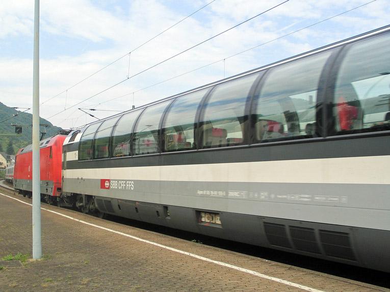 Boppard: Aussichtswagen der SBB in einem EC